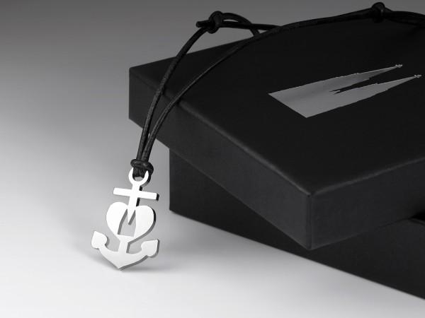 Handmade Designer Halskette Leder Band Kette edel Herz Strass Anhänger Silber