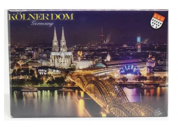 Magnet Köln bei Nacht